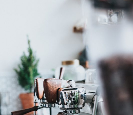 Fuldautomatisk espressomaskine: Bliv barista derhjemme